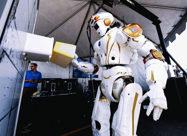 Airbus разрабатывает роботов для производства продукции