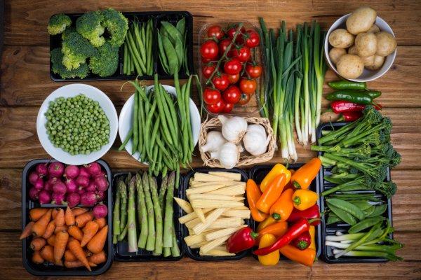 Ученые: Шелк сохраняет продукты свежими без холодильника