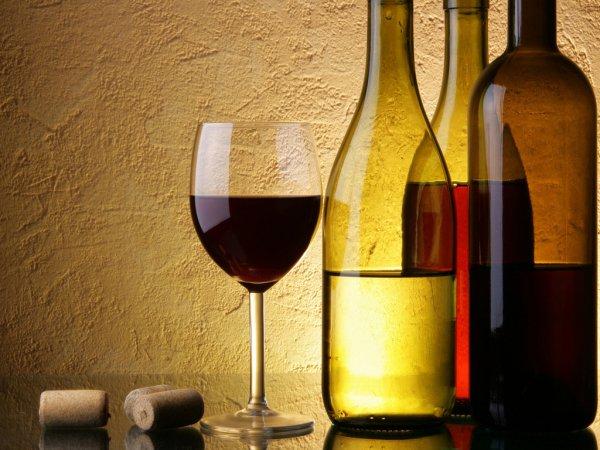 Ученые: Кофе и вино оказывают положительное влияние на кишечник