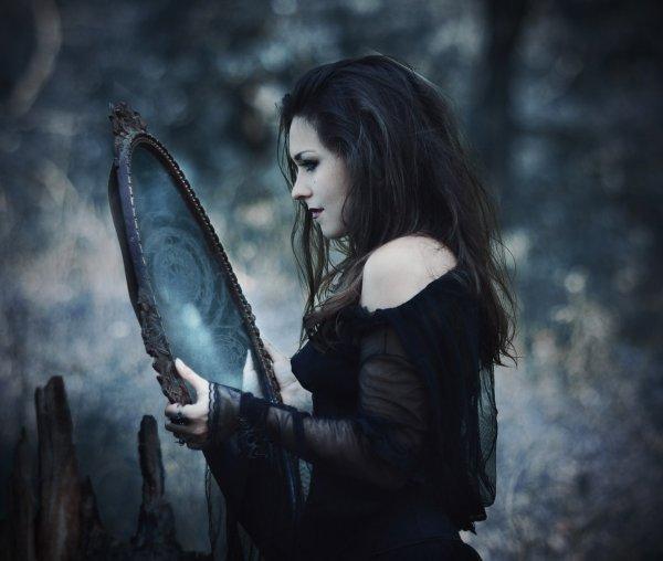 Ученые: Вера в ведьм и колдовство замедляет прогресс