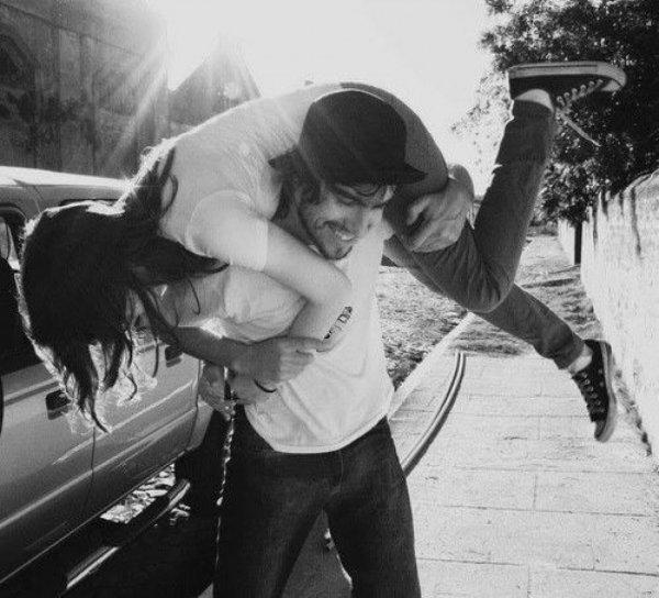 Ученые выяснили, как легко влюбить в себя девушку