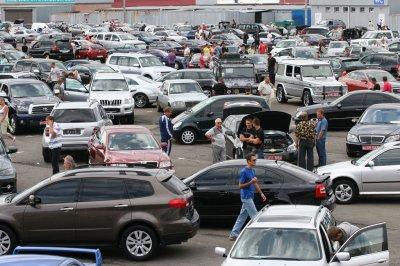 В апреле продажи автомобилей в России упали на 8,5%