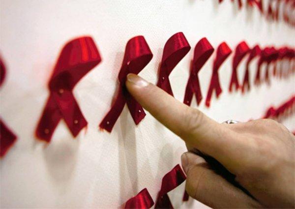 Учёные: Ранняя потеря девственности увеличивает риск заразиться ВИЧ