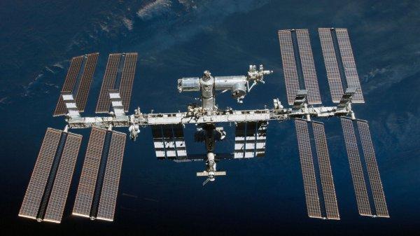 С МКС в космос запустили 5 спутников