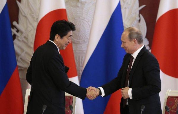 Ушаков: Путин планирует посетить Японию до конца 2016 года