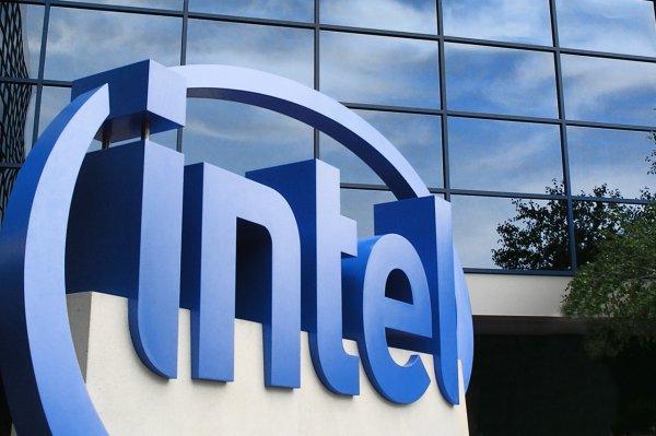 Intel рассматривает возможность сокращения 500 человек в России