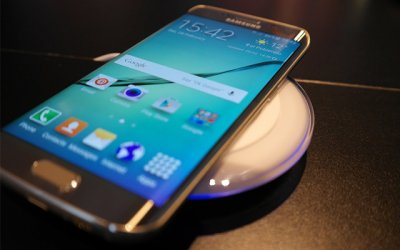 Samsung дарит беспроводную зарядку владельцам Galaxy S7