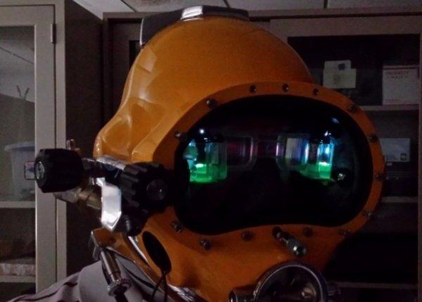 Шлем с дополненной реальности поможет ориентироваться под водой