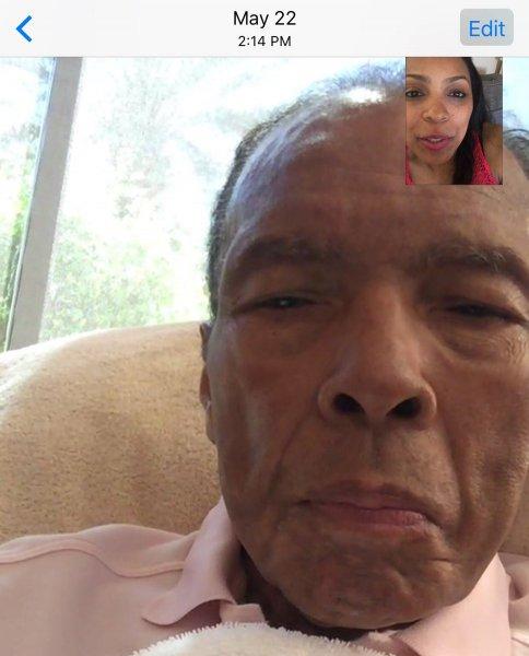 Дочь Мохаммеда Али разместила в сети последнее фото отца