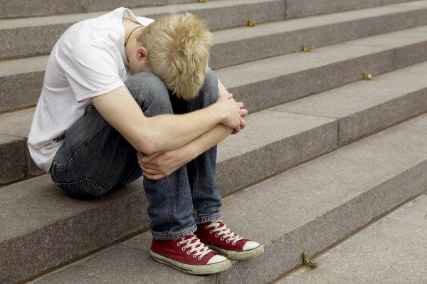Ученые: Подростки становятся наркоманами из-за домашнего насилия