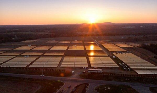 Apple планирует стать поставщиком солнечной энергии