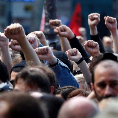 В Германии тысячи людей вышли на митинг против ударов беспилотников США