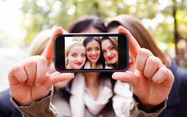 Ученые: Instagram делает людей счастливее
