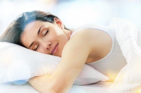 Ученые заявили о необходимости спать 2 раза в сутки