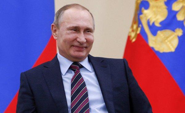 Путин повысил выплаты из материнского капитала