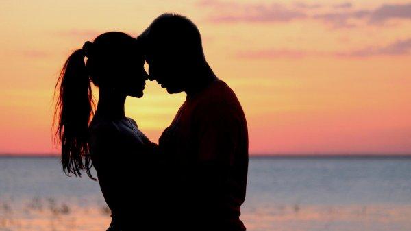 Ученые: Летом люди испытывают сексуальное желание чаще, чем зимой