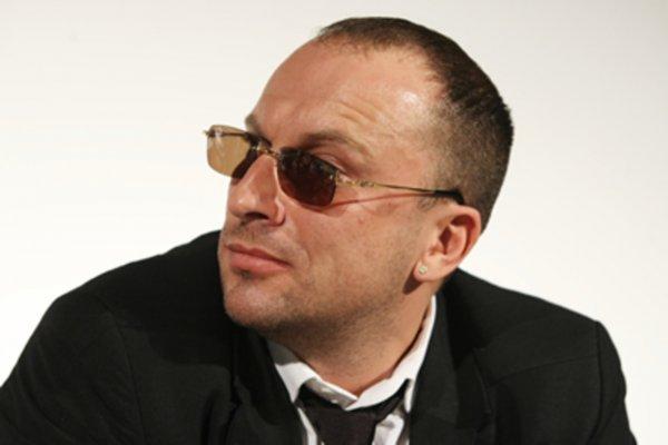 Дмитрий Нагиев кардинально изменил свой имидж для обложки Esquire