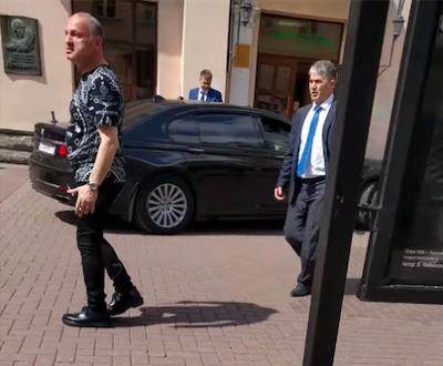 """Пассажир BMW с номерами """"АМР"""" избил девушку в Москве"""