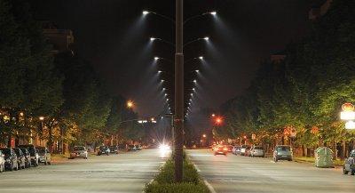 Ученые рассказали про вред светодиодных ламп уличных фонарей
