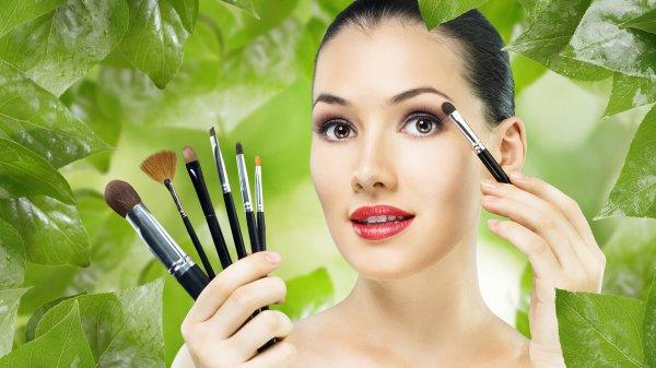 Ученые выяснили, какое воздействие оказывает макияж на мужчин и женщин