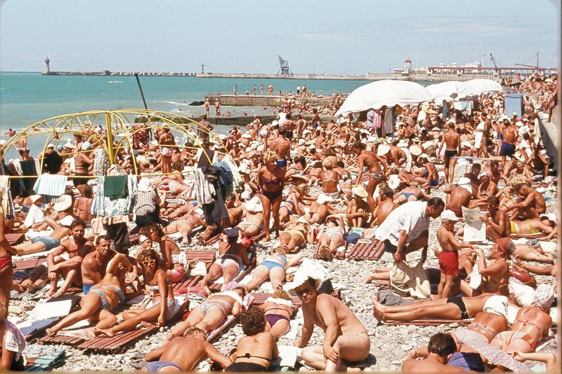 Фото отдыхающих на пляже