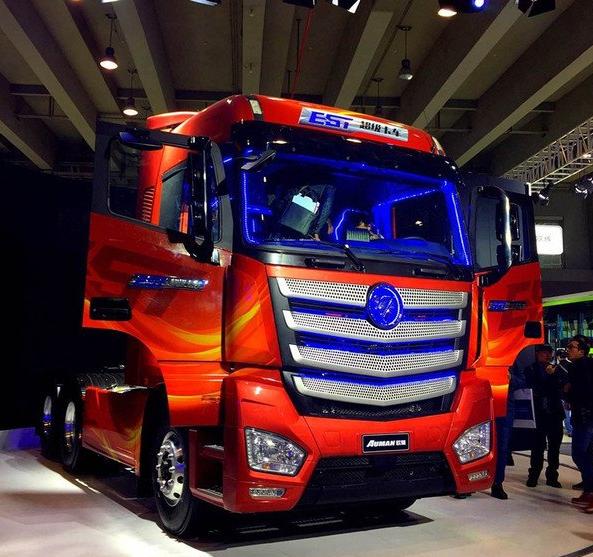 В 2017 году в России появится супер-тягач Auman EST