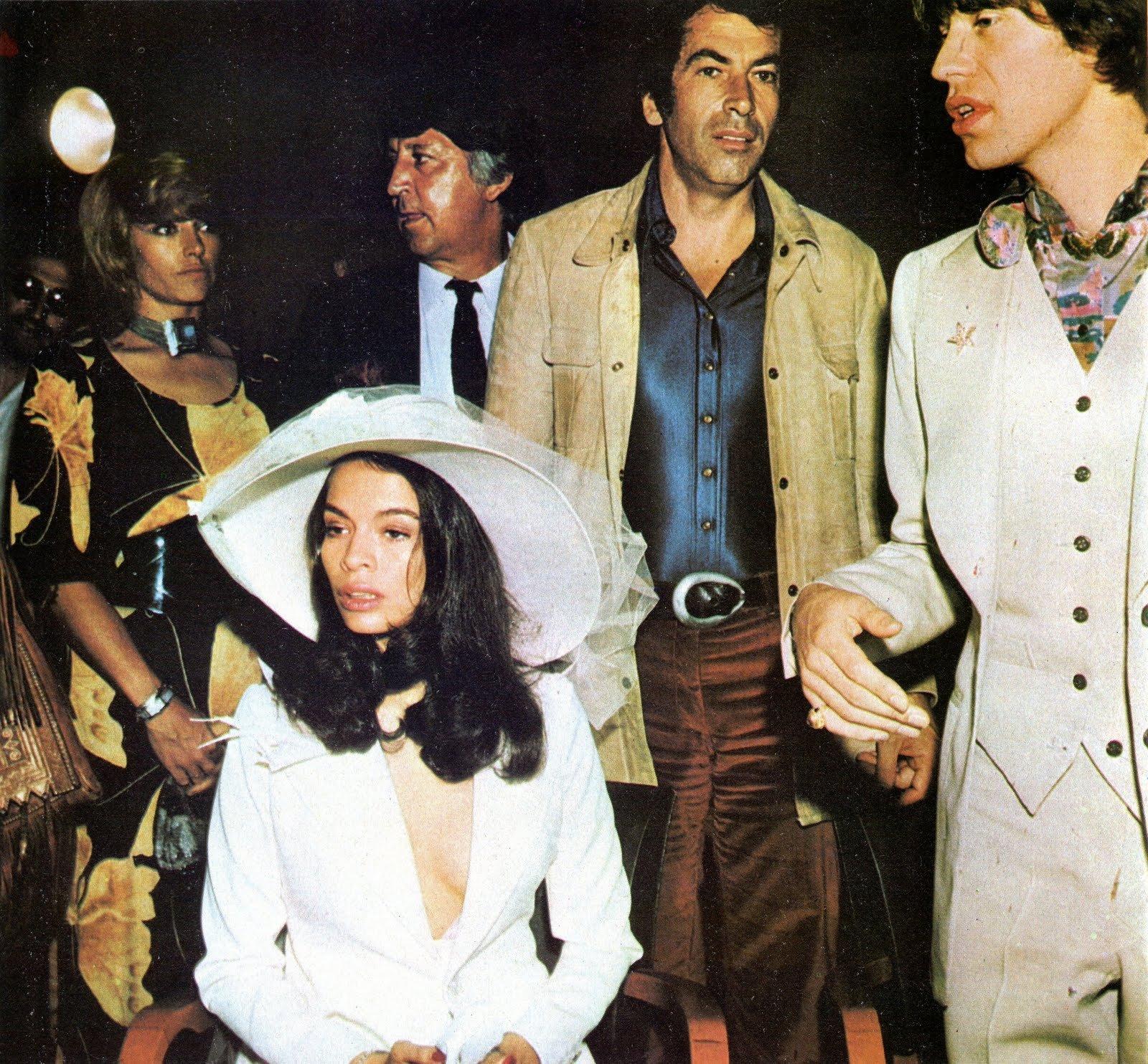 10 главных женщин в жизни рок-музыканта мика джаггера: шоу-бизнес.