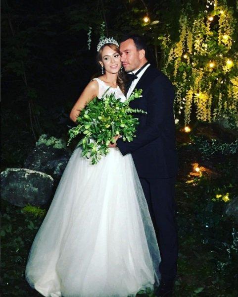 СМИ: Экс-бойфренд Ксении Бородиной тайно женился на Анне Калашниковой