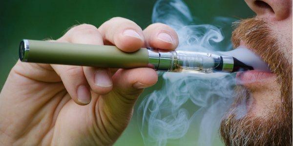 Ученые: Использование электронных сигарет повышает вероятность алкоголизма