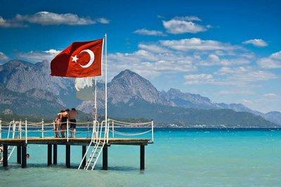На одну путёвку в Турцию претендует десять российских туристов