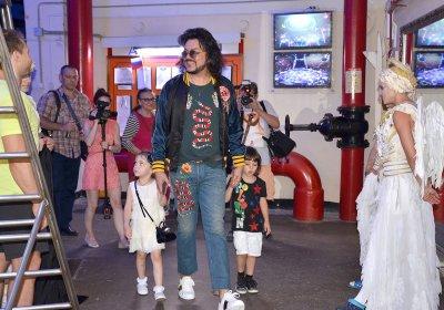 Филипп Киркоров с детьми посетил московский цирк