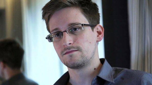 """Сноуден назвал день подписания """"пакета Яровой"""" черным"""