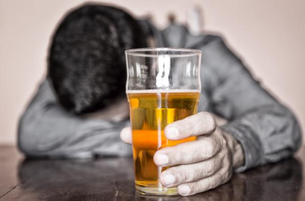 Ученые выяснили причину возникновения алкогольной зависимости
