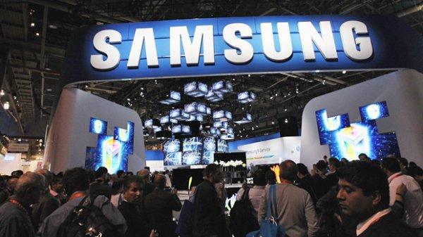 Samsung научилась сгибать свои смартфоны