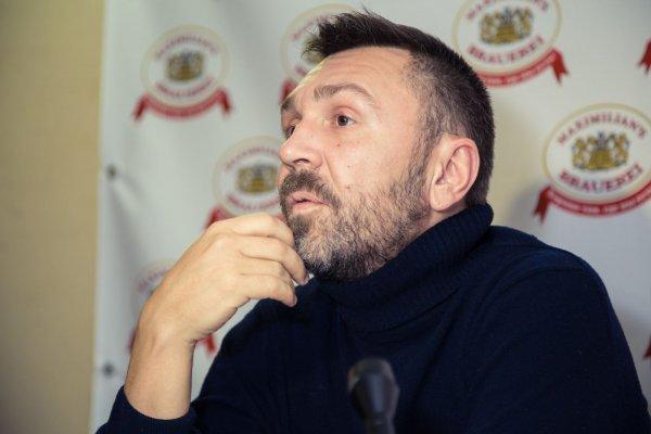 Сергей Шнуров спел о допинговом скандале с российскими спортсменами