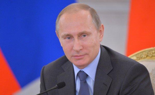 Путин поздравил работников торговли и высоко оценил развитие отрасли в РФ
