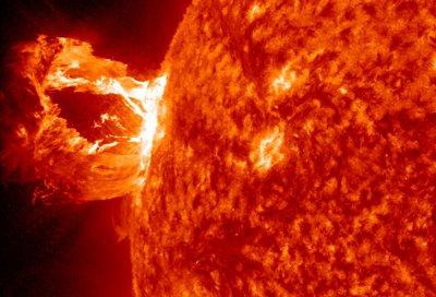 Мощные вспышки зафиксировали учёные на Солнце
