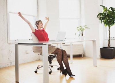 Ученые назвали безопасную норму сидения в сутки