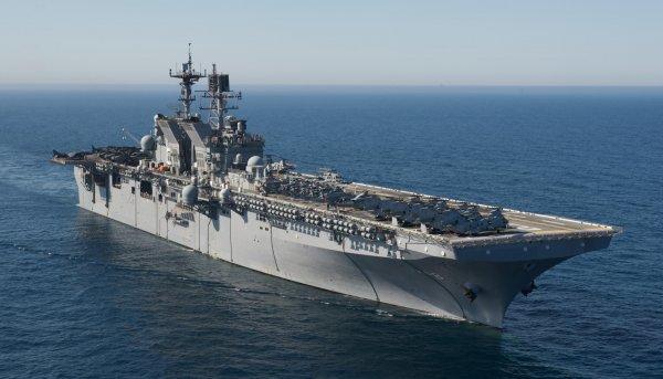 В интернете появились видео «позорных» манёвров ВМС США