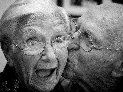 Ученые доказали, что пожилым людям не меньше, чем молодым нравится секс