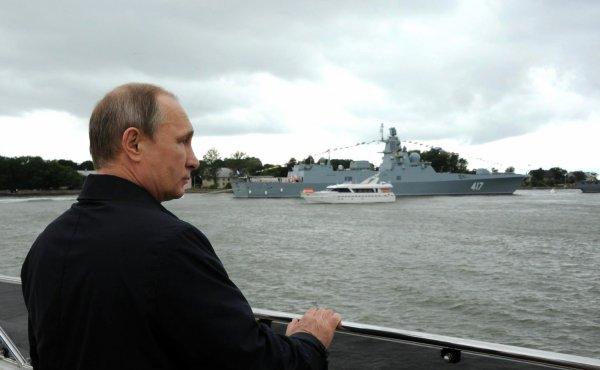 Владимир Путин примет участие в праздновании Дня ВМФ в Петербурге