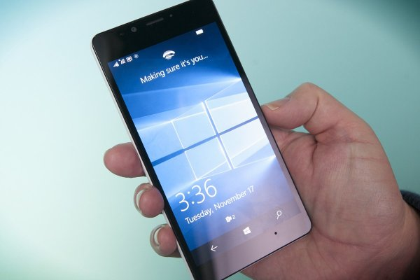 Компания Cube выпустит смартфон на Windows 10 Mobile