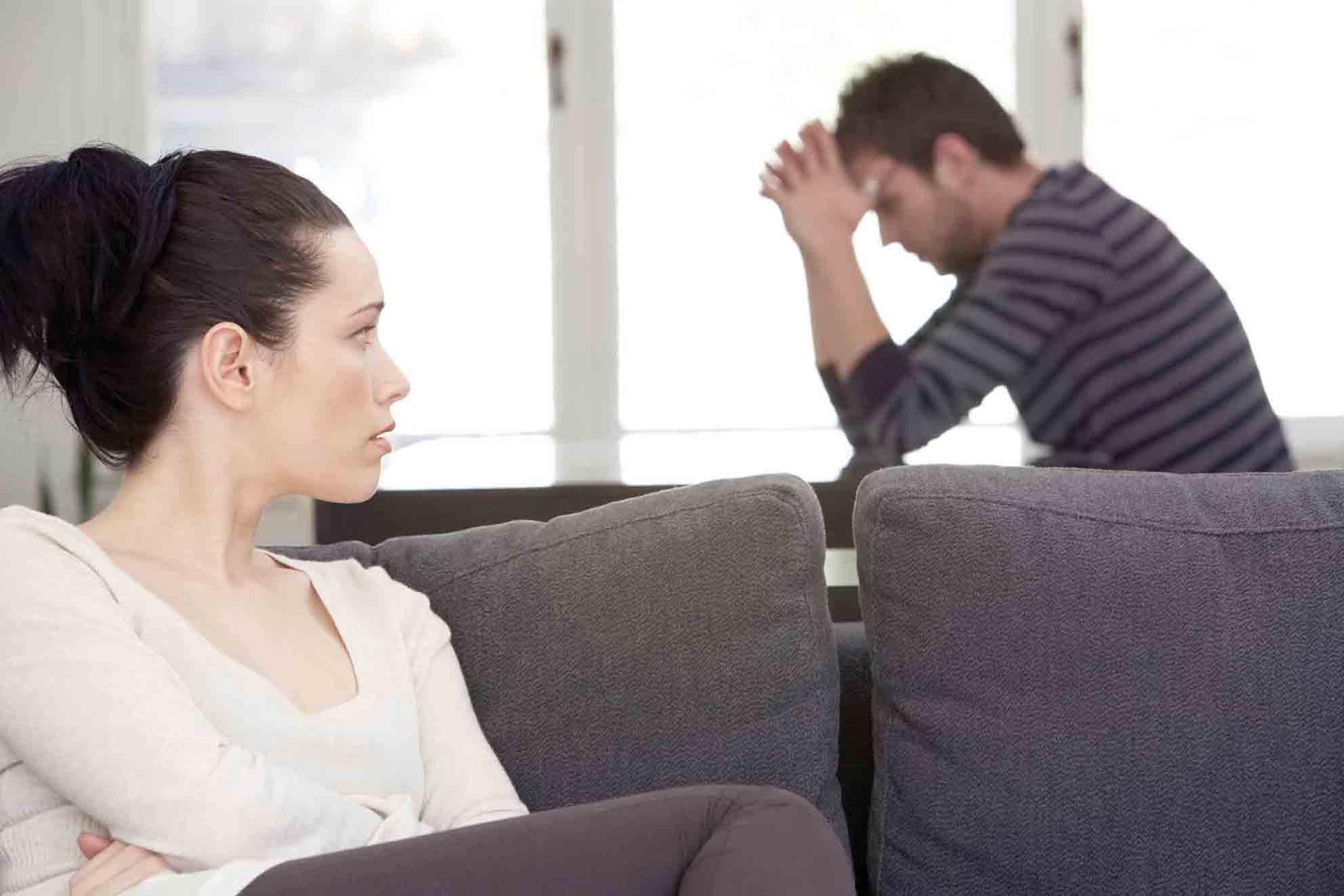 Смотреть муж уехал на работу а к жене зашел сосед 24 фотография