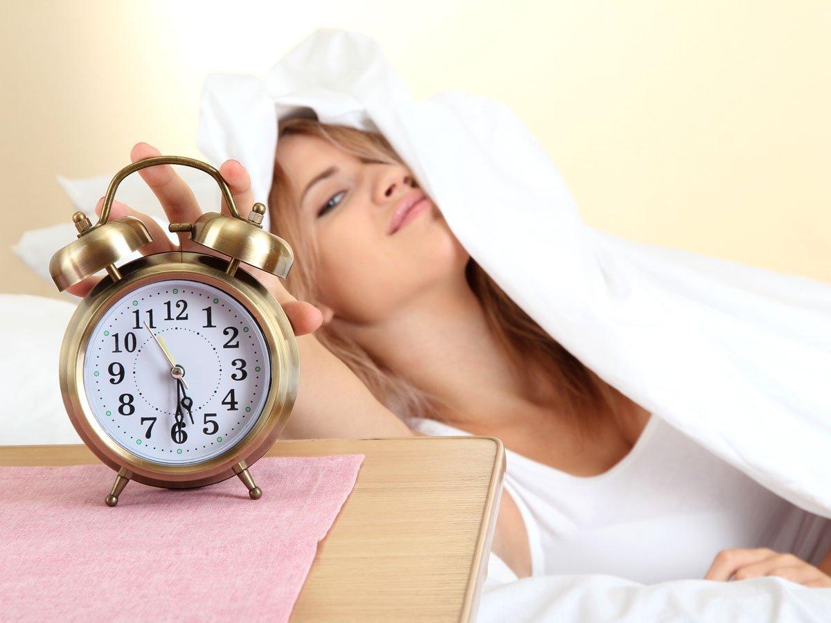 Как быстро и легко просыпаться по утрам : учимся вставать рано утром без 33