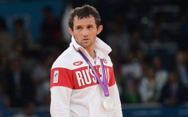 Медаль ОИ-2012 погибшего российского борца Кудухова передадут индийскому спортсмену