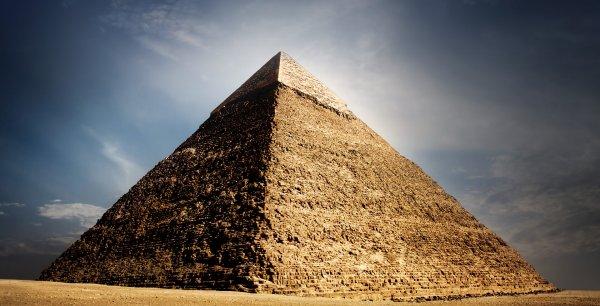 Ученые обнаружили в космосе загадочные древние пирамиды