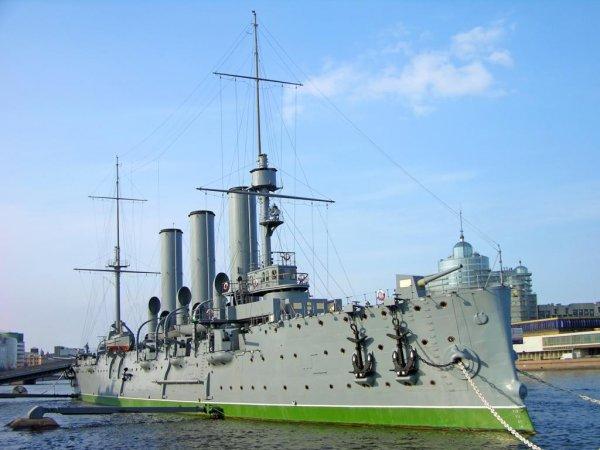 Крейсер «Аврора» готов к приему посетителей