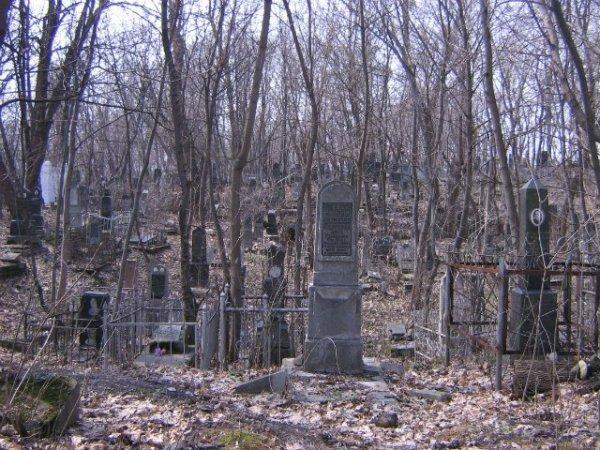 Под Новосибирском неизвестные разрушили больше 100 надгробий