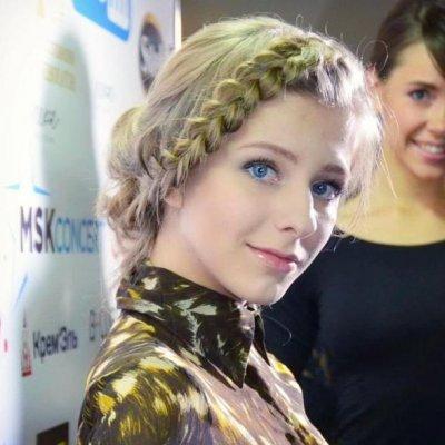 Звезда «Папиных дочек» Лиза Арзамасова показала идеальный пресс