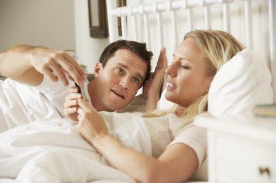 Ученые: Женщины более подвержены смартфономании, чем мужчины